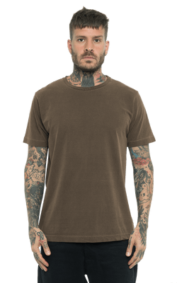 Camiseta_Tinturada_Brown_Frente