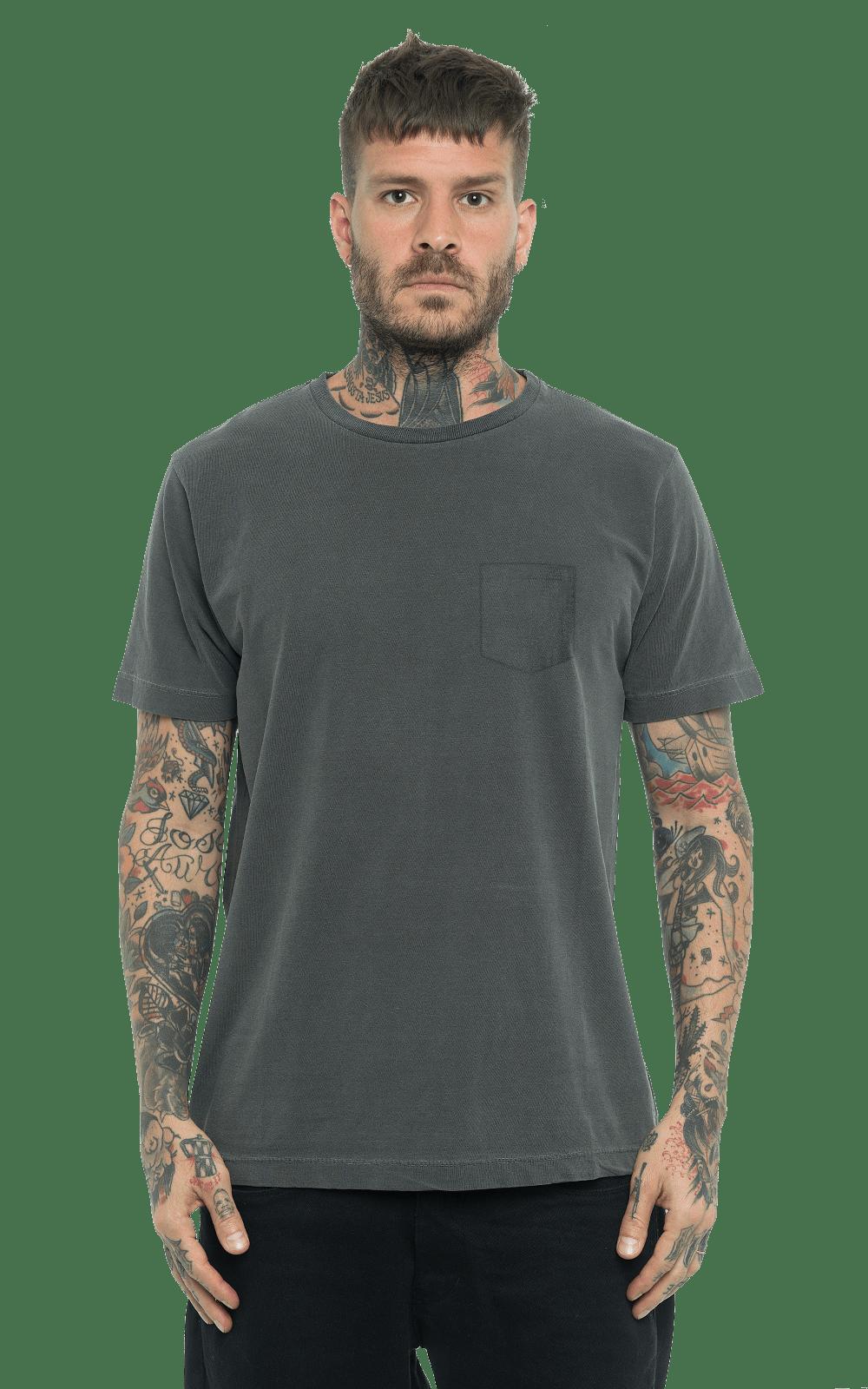 Camiseta_TinturadaBolso_Black_Frente