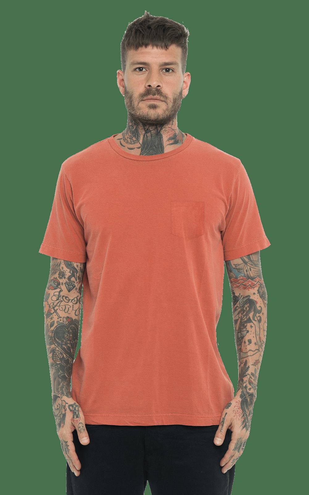 Camiseta_TinturadaBolso_Orange_Frente