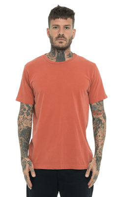 Camiseta_Tinturada_Orange_Frente