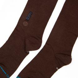 stance-brown-fino-3